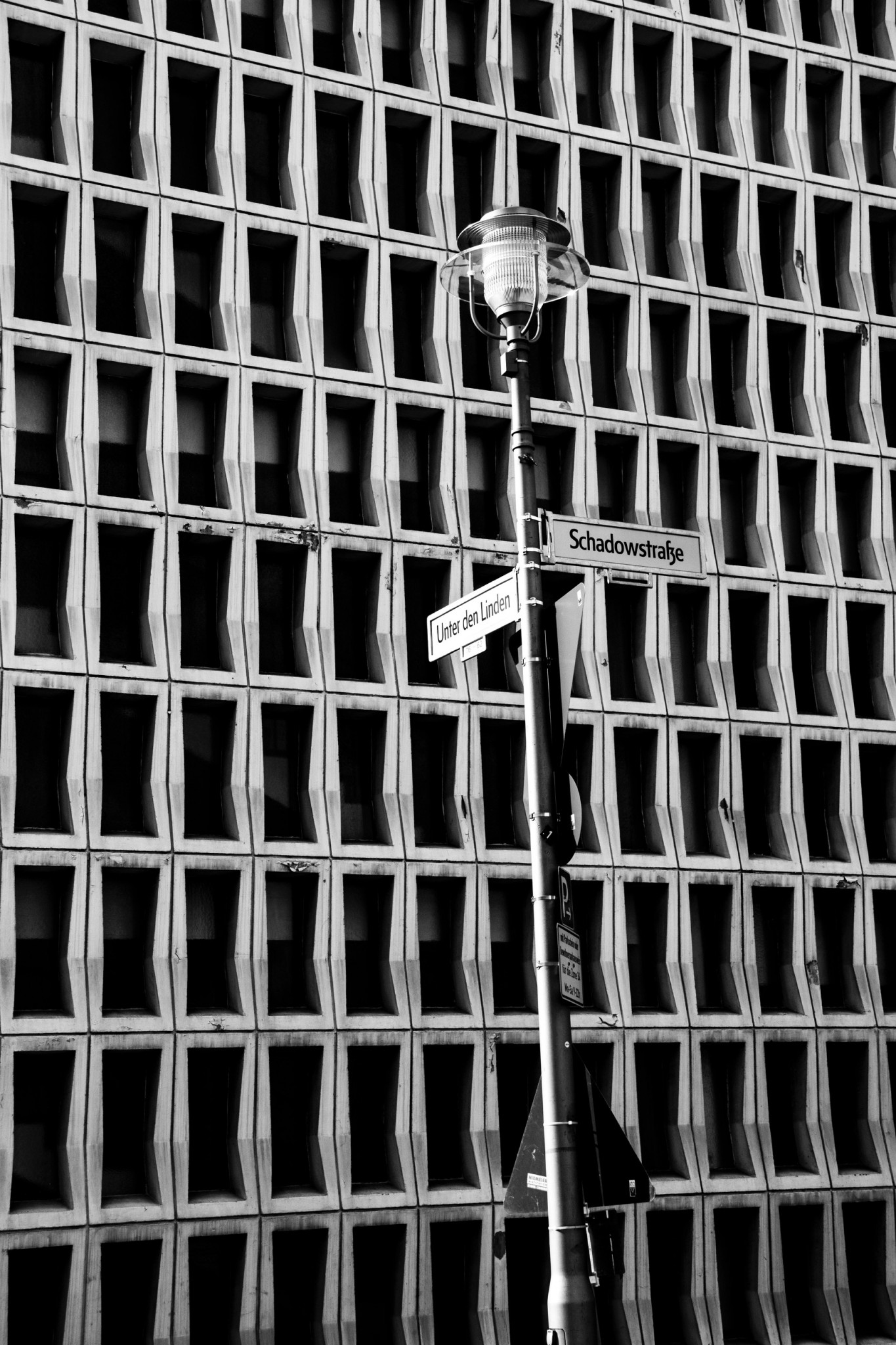 Die Berlinerin - Berlin - Allemagne - Germany - Veronique Thomazo Photography - black and white photography - Nice France - French photographer -